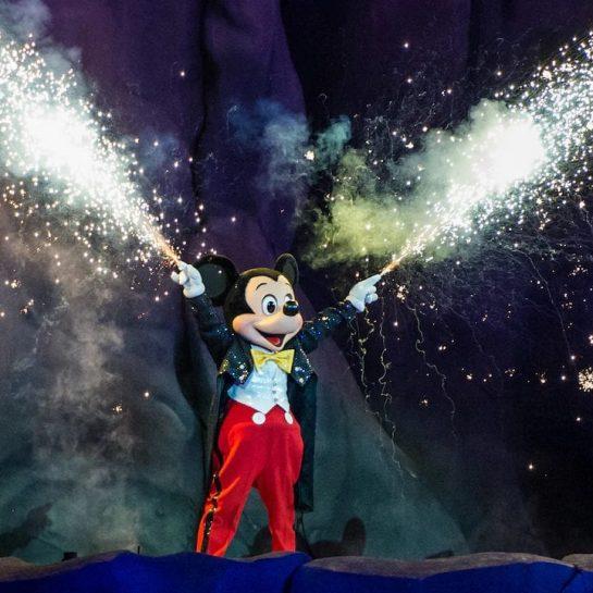Disney Mickey Mouse Fantasmic Show