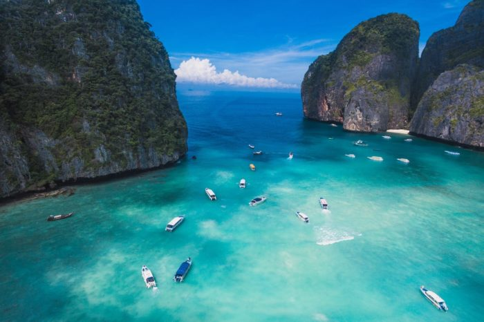 Luxury Thailand Vacation Peaceful Ocean Bay Boats