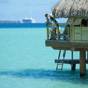 Tahiti bora bora ocean overwater bungalows crusieship