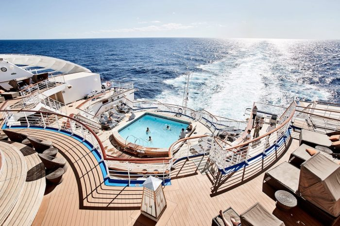Cruise Ship Back Adult Vacation Luxury