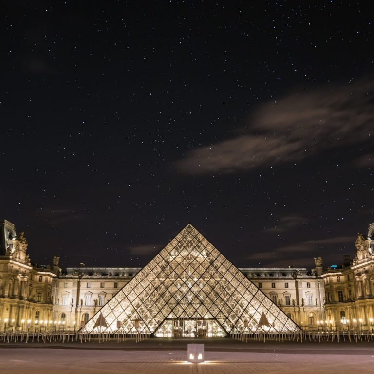louvre night paris france