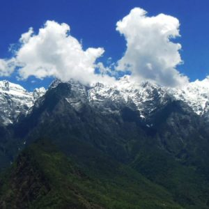 Luxury Vacation China Asia China Tiger Leaping Gorge Mountains Landscape