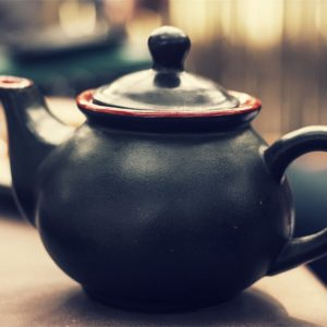 Luxury Vacation China Asia Teapot Tea Ceramic Porcelain Beverage Pot Black